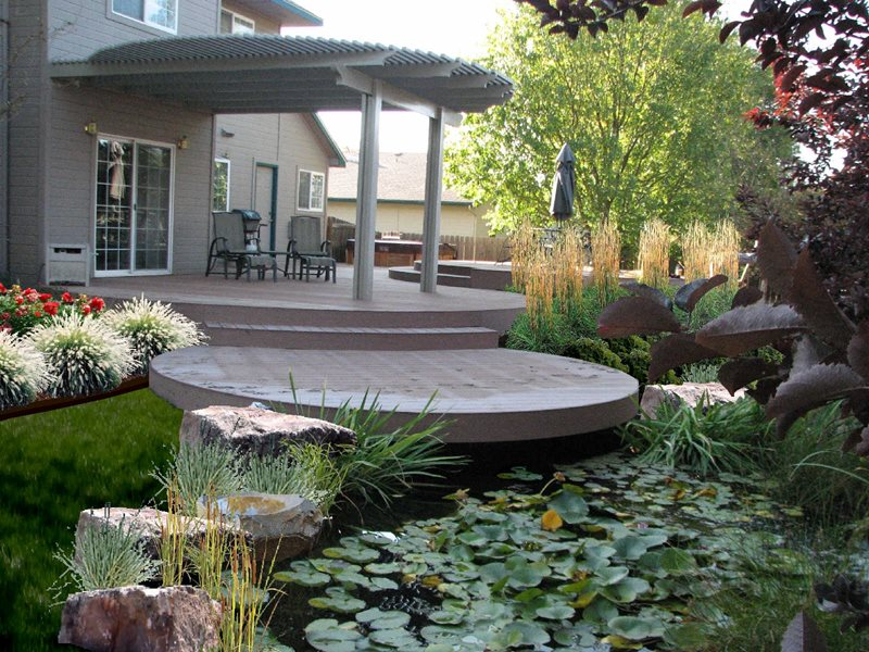 Deck design garden city id photo gallery for Circular garden decking