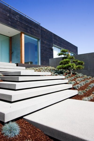 Minimalist Entry Entryways, Steps and Courtyard Grounded Landscape Architecture and Planning Encinitas, CA