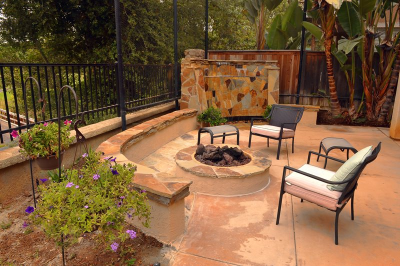 Stucco Fire Pit, Flagstone Cap, Lava Rock Fire Pit Landscaping Network Calimesa, CA