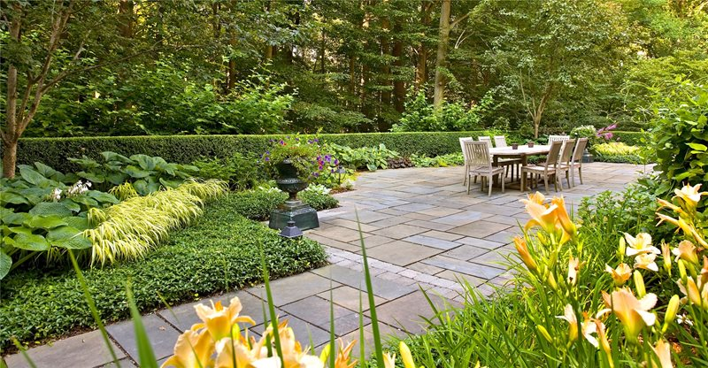 Patio, Big, Dining, Table, Stone, Urn, Green Flagstone Patio Liquidscapes Pittstown, NJ