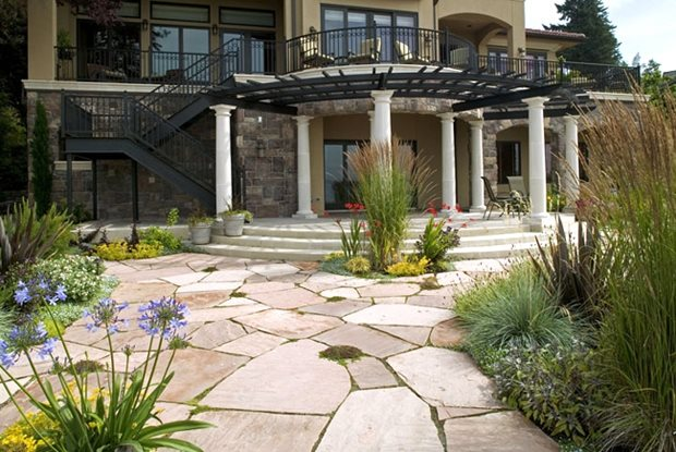 Patio Cover Columns, Curved Pergola Flagstone Darwin Webb Landscape Architects Issaquah, WA