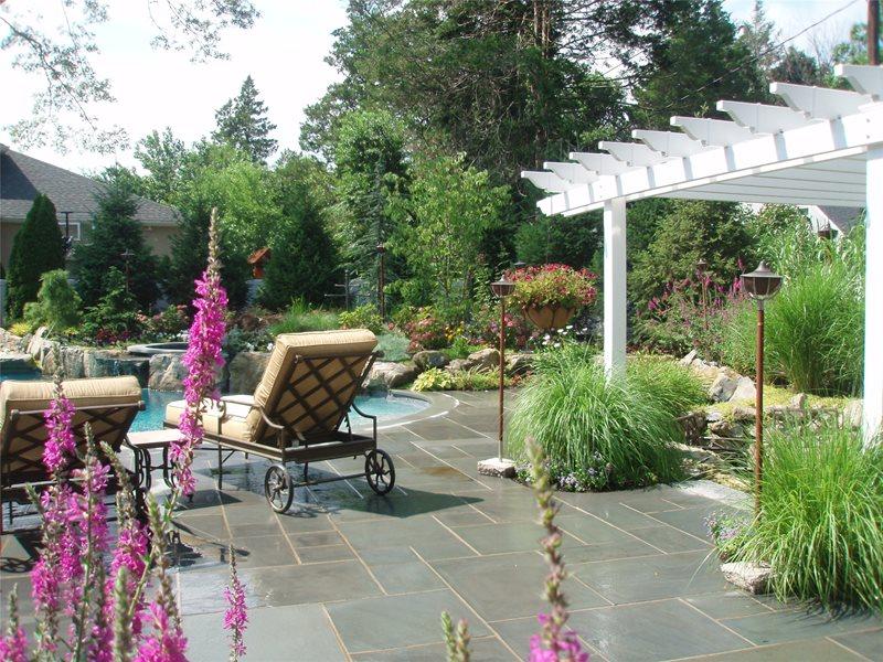 Traditional Backyard Flagstone Design & Build Landscape Massapequa, NY