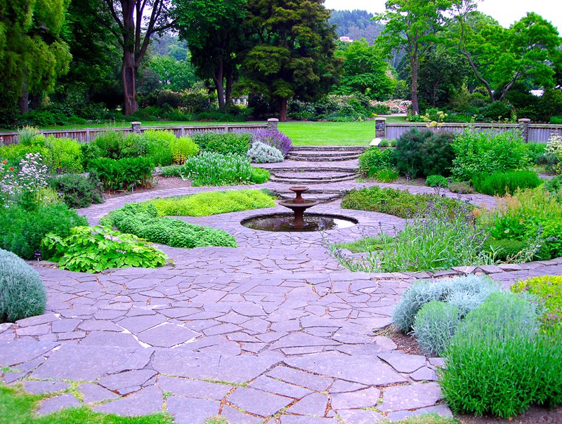 Circular Garden With Fountain At Center, Flagstone Paving Fountain Landscaping Network Calimesa, CA
