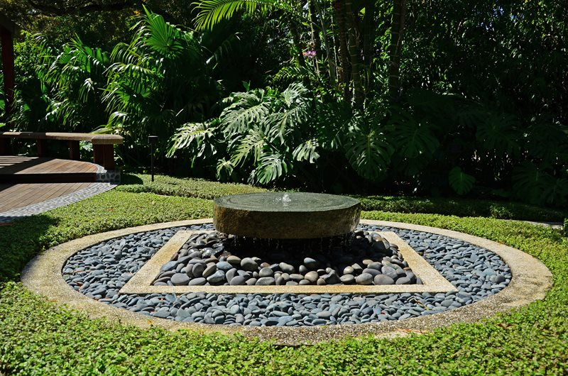 Pondless Fountain, Millstone Fountain, River Rocks Fountain Lewis Aqui Landscape + Architectural Design, LLC. Miami, FL