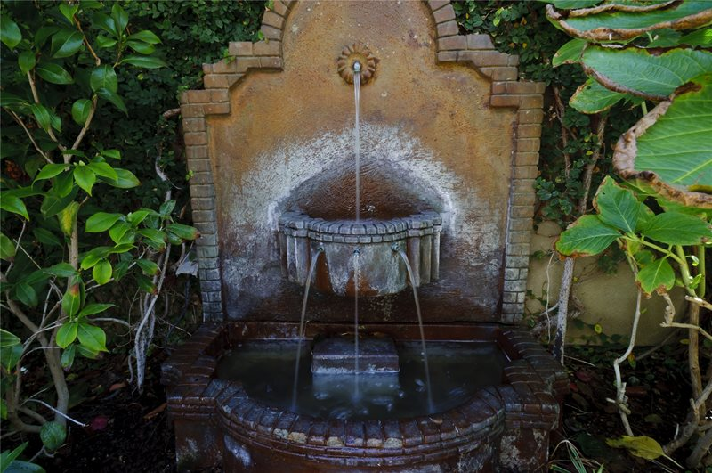 Tiered Wall Fountain Fountain Z Freedman Landscape Design Venice, CA