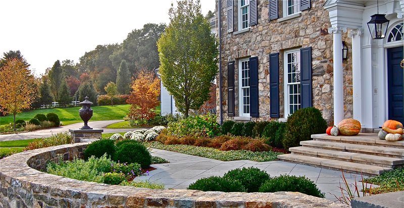 Formal, Front, Yard, Stone, Wall, Urn, Columns Front Yard Landscaping Liquidscapes Pittstown, NJ