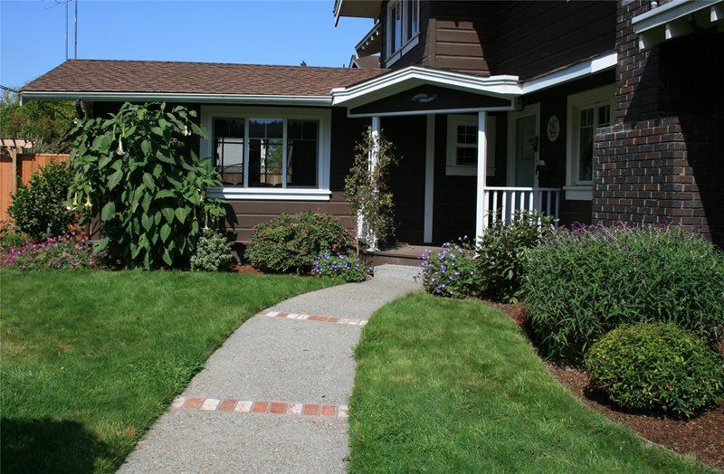 Front Entry Walkway Front Yard Landscaping Genevieve Schmidt Landscape Design and Fine Maintenance Arcata, CA