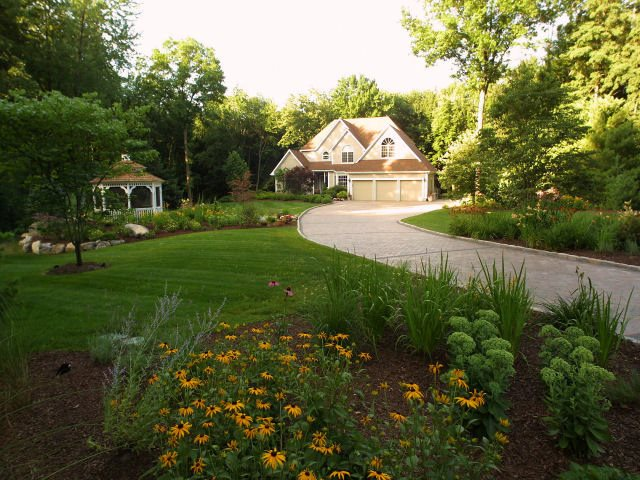 Large Front Yard Lawn And Plantings Front Yard Landscaping Neave Group Outdoor Solutions Stamford, CT