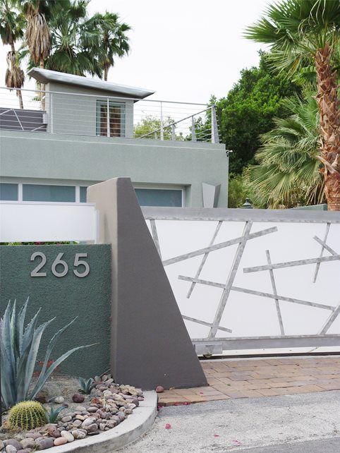 Modern Driveway Gate Front Yard Landscaping Maureen Gilmer Morongo Valley, CA