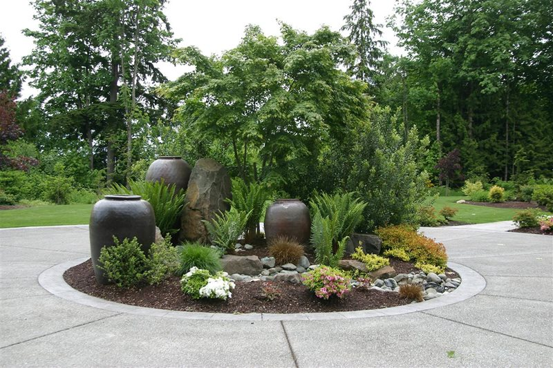 Incroyable Driveway Planter, Circular Drive Landscaping Garden Design Classic Nursery  And Landscape Woodinville, WA
