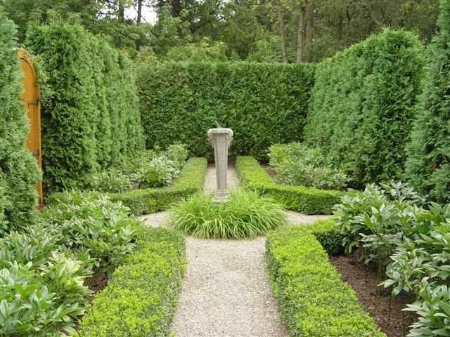 Formal Garden Design dynamic formality Formal Garden Hedges Boxwood Sundial Garden Design Deborah Silver And Co Sylvan