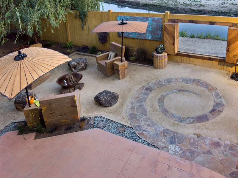 Flagstone Spiral, Garden Wall Window Lawnless Landscaping Cevan Forristt Landscape Design San Jose, CA