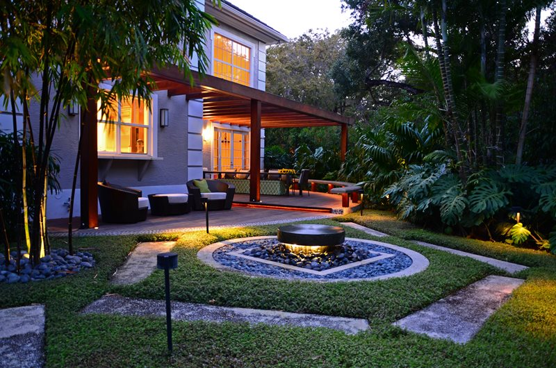 Fountain Lighting, Deck Lighting Lighting Lewis Aqui Landscape + Architectural Design, LLC. Miami, FL