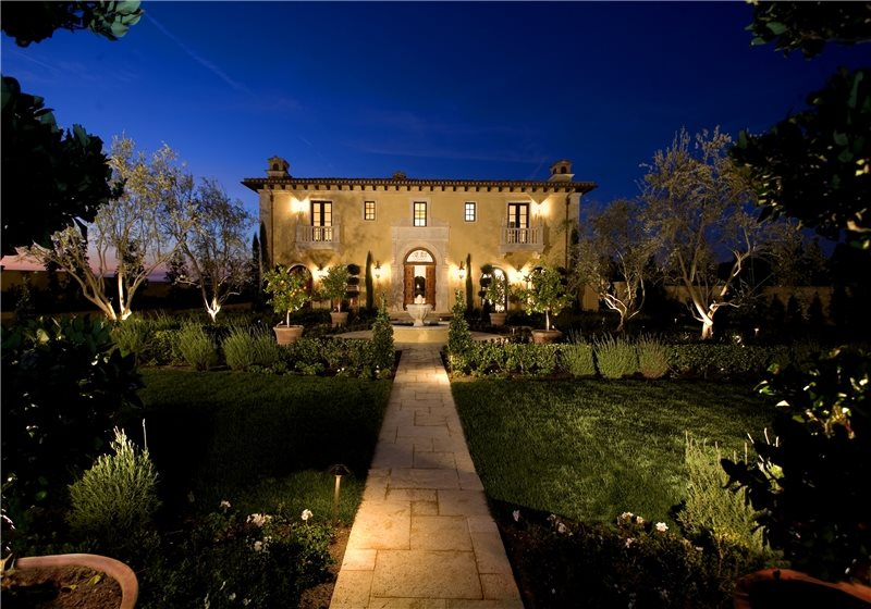 Front yard lighting landscape lighting mediterranean landscaping studio h landscape architecture newport beach ca