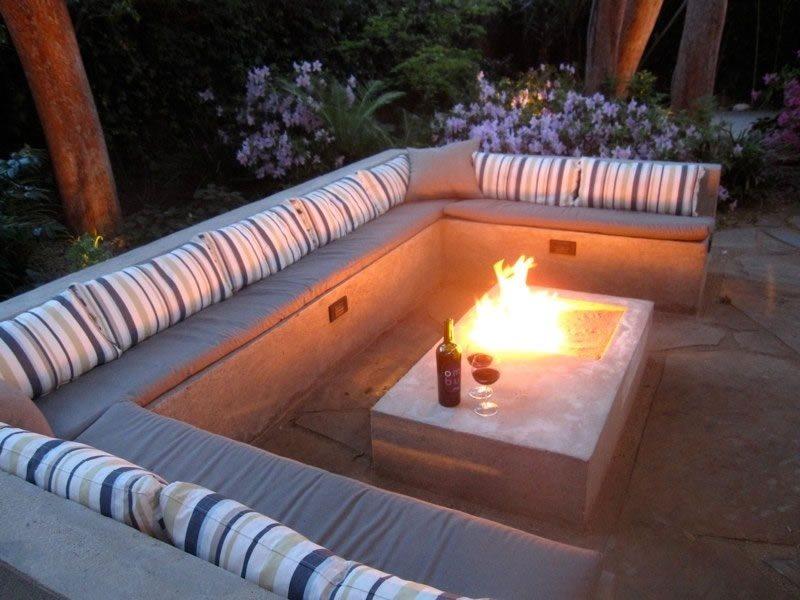 Fire Table Modern Landscaping Alastair Boase Landscape Design, LLC Sherman Oaks, CA