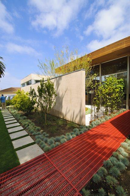 Walkway Modern Landscaping Z Freedman Landscape Design Venice, CA