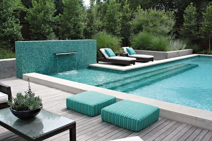 Pool Water Feature Modern Pool Bonick Landscaping Dallas, TX