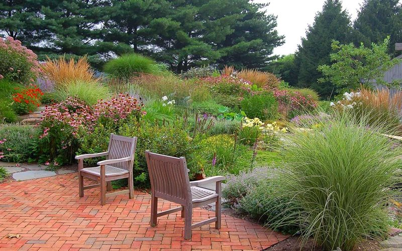 Naturalistic garden tour strasburg pa photo gallery for Planting schemes with grasses
