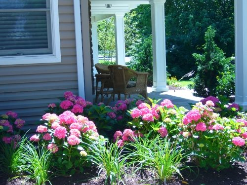 Attrayant Shady Front Porch, Pink Flowers New York Landscaping Design U0026 Build  Landscape Massapequa, ...