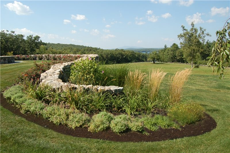 Northeast landscaping leominster ma photo gallery for Ornamental grass bed design