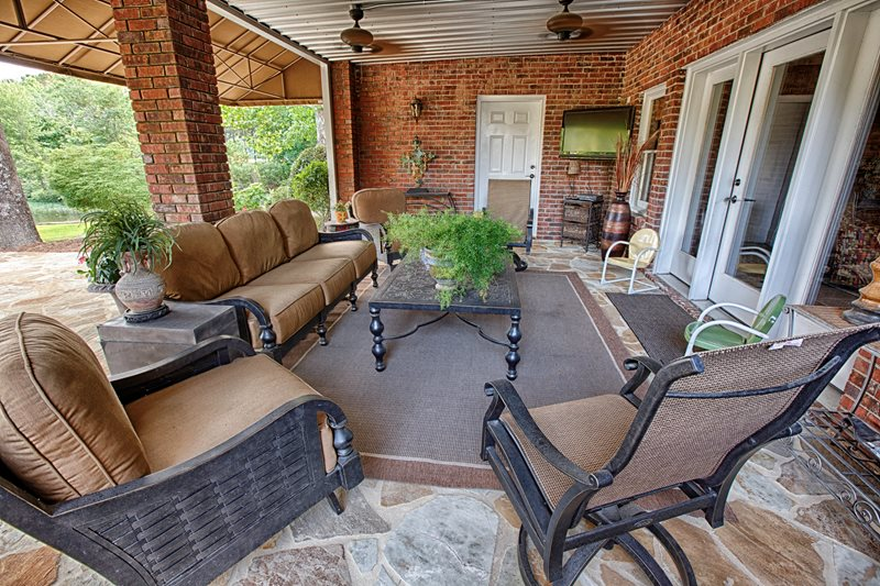 Covered Patio, Deep Seating Patio Proscape Inc.  Tuscaloosa, AL