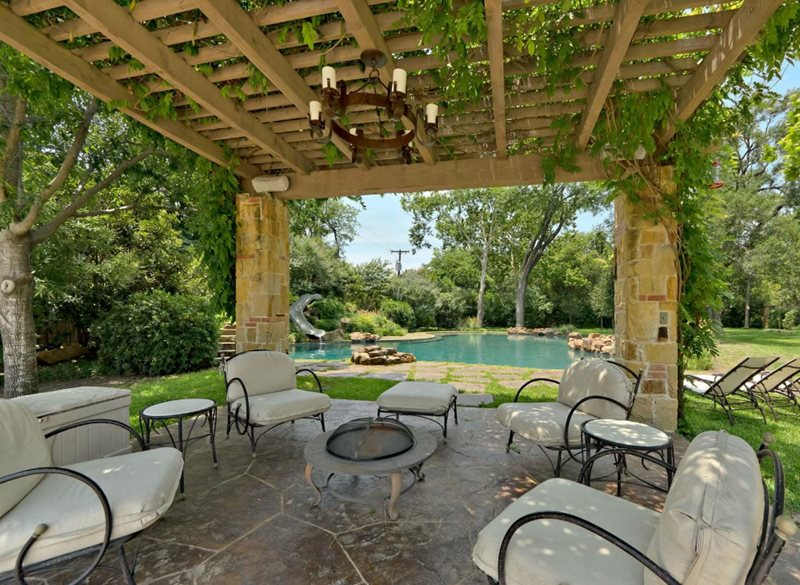 Patio Cover Vines Patio Harold Leidner Landscape Architects Carrollton, TX