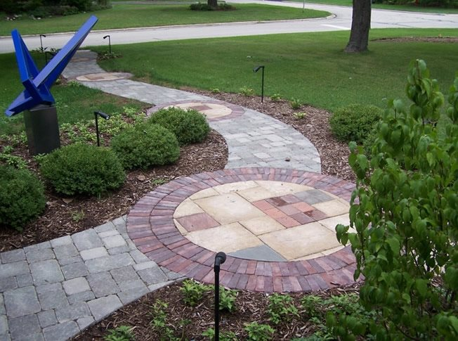 Paver walkway wheaton il photo gallery landscaping for Garden designs with stone circles