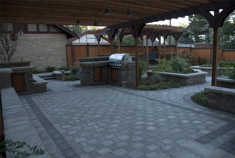 Patio Designs With Pavers Heres A Paver Patio Design Using Two Contrasting  Colors And Four Different