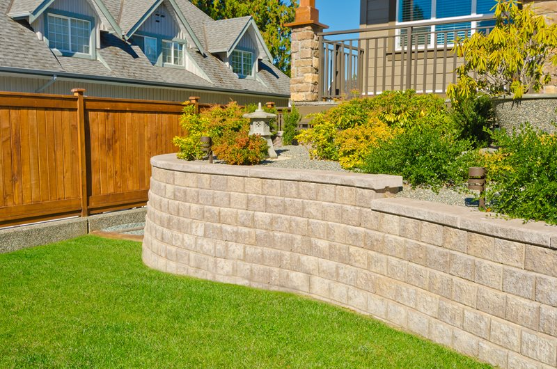 Gray Block Retaining Wall Retaining and Landscape Wall Landscaping Network Calimesa, CA