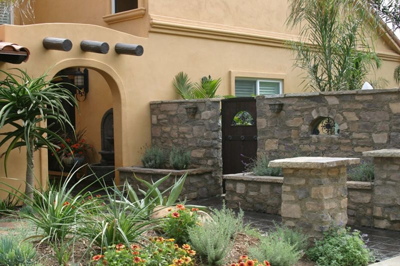 Large Entry Wall Retaining and Landscape Wall Landscaping Network Calimesa, CA