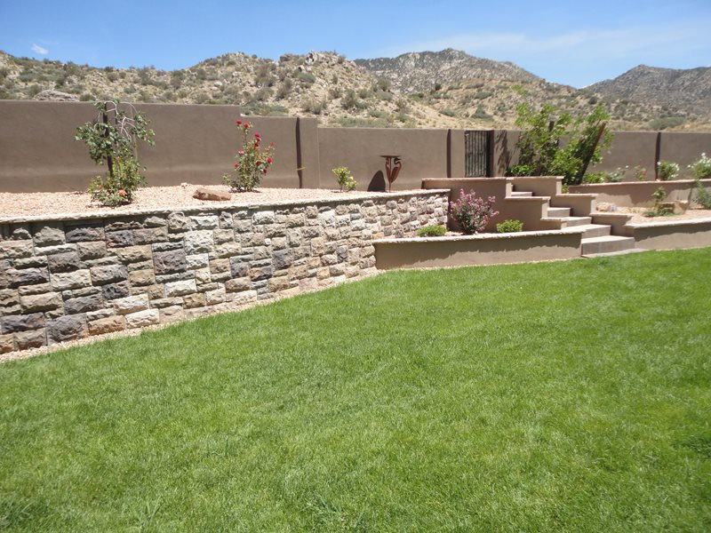 Manufactured Retaining Wall, Desert Grass Retaining and Landscape Wall WaterQuest, Inc. Albuquerque, NM