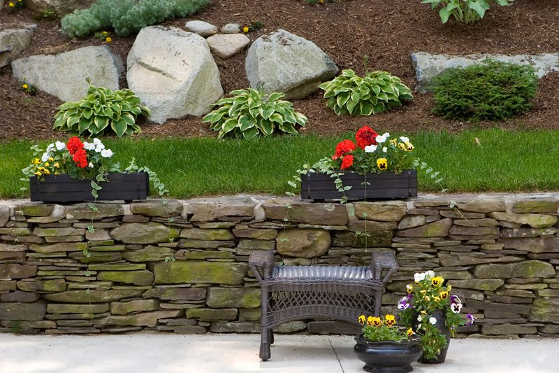 Mortarless Stone Retaining Wall Retaining and Landscape Wall Landscaping Network Calimesa, CA
