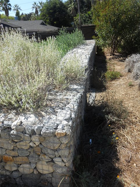 Retaining Wall With All Natural Stone Retaining and Landscape Wall Landscaping Network Calimesa, CA