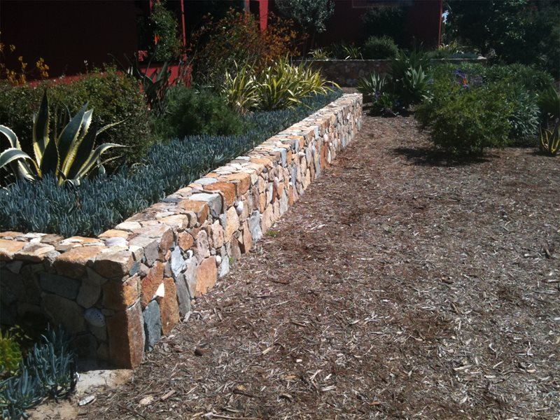 Small Retaining Wall With Random Color Retaining and Landscape Wall Landscaping Network Calimesa, CA