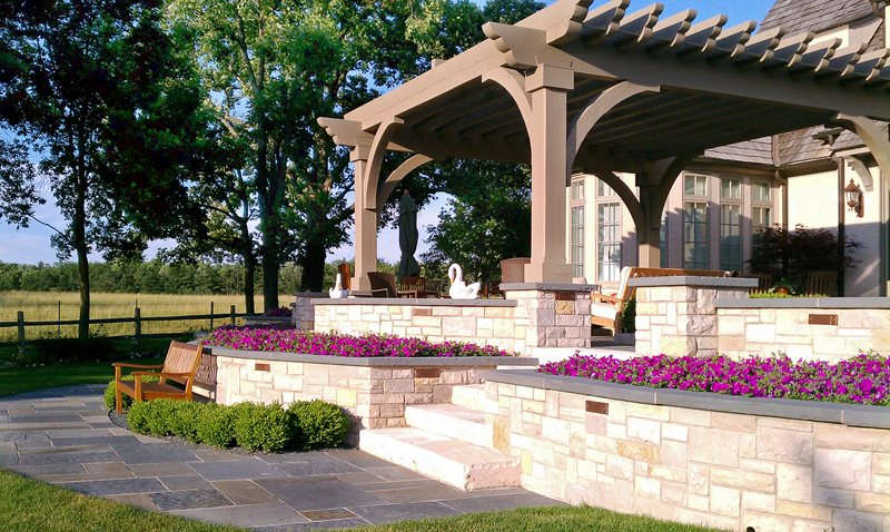 Terraced, White Walls Retaining and Landscape Wall Romani Landscape Architecture Glencoe, IL