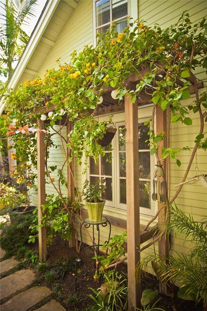 Side Yards - Calimesa, CA - Photo Gallery - Landscaping ... on Side Yard Pergola Ideas id=94151