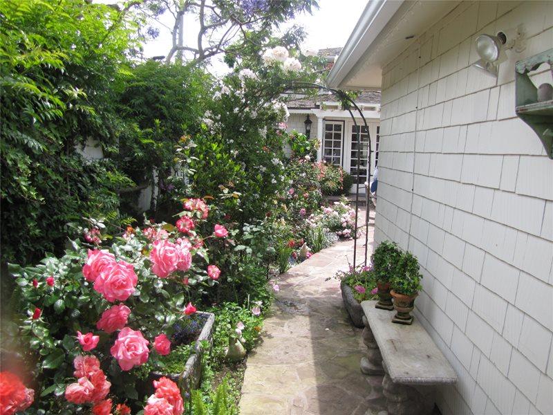 Sideyard Side Yards Landscaping Network Calimesa, CA