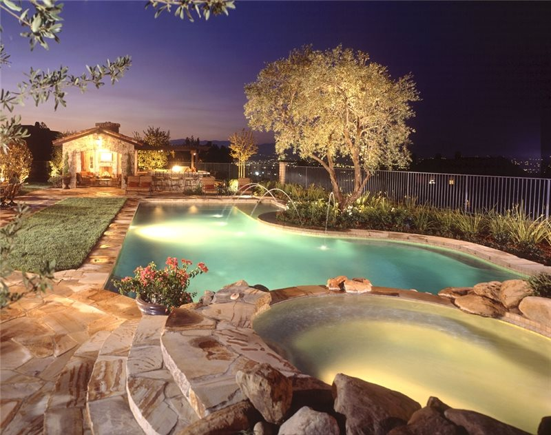 Tuscan Pool, Pool Lighting Southern California Landscaping Studio H Landscape Architecture Newport Beach, CA