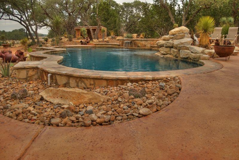 Southwestern Pool, Desert Swimming Pool Southwestern Landscaping Landscaping Network Calimesa, CA