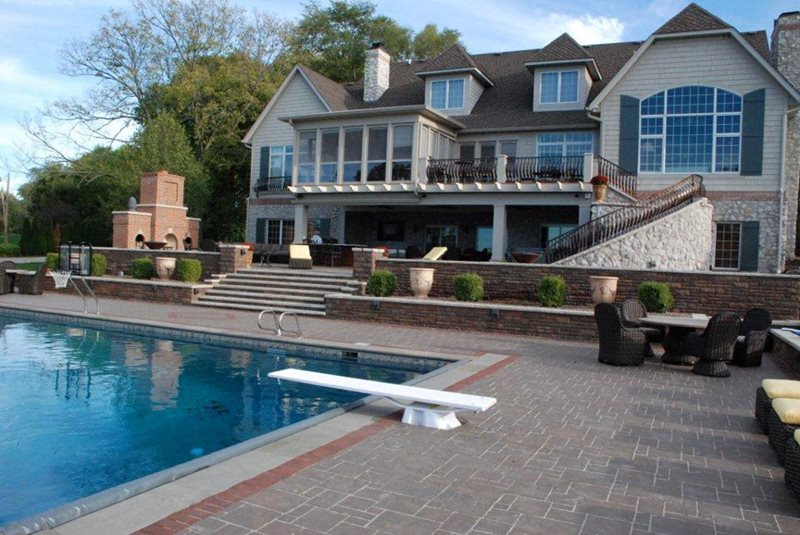 Swimming pool aledo il photo gallery landscaping for Large garden swimming pools