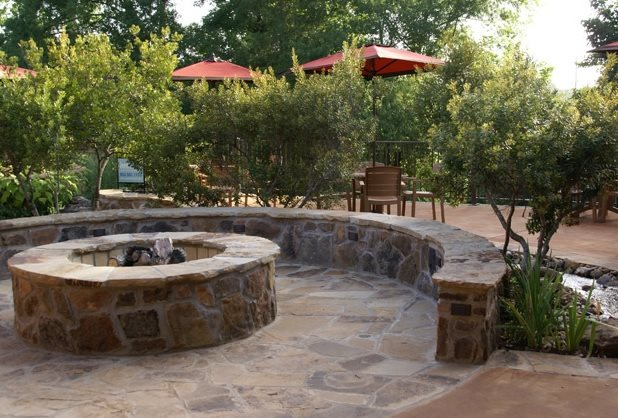 Flagstone Fire Pit Texas Landscaping Landvisions TX Tyler, TX - Texas Landscaping - Tyler, TX - Photo Gallery - Landscaping Network