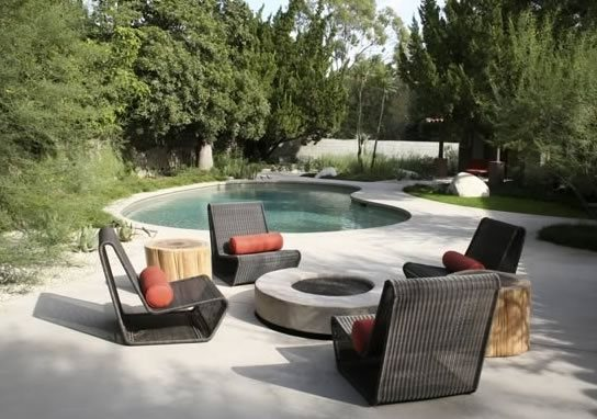 Modern Concrete Fire Pit Tropical Landscaping Bent Grass Landscape Architecture Venice, CA