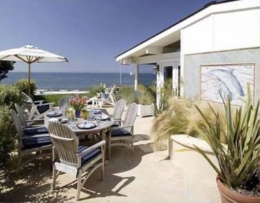 Patios, Open, Beach Tropical Landscaping ALIDA ALDRICH LANDSCAPE DESIGN Santa Barbara, CA