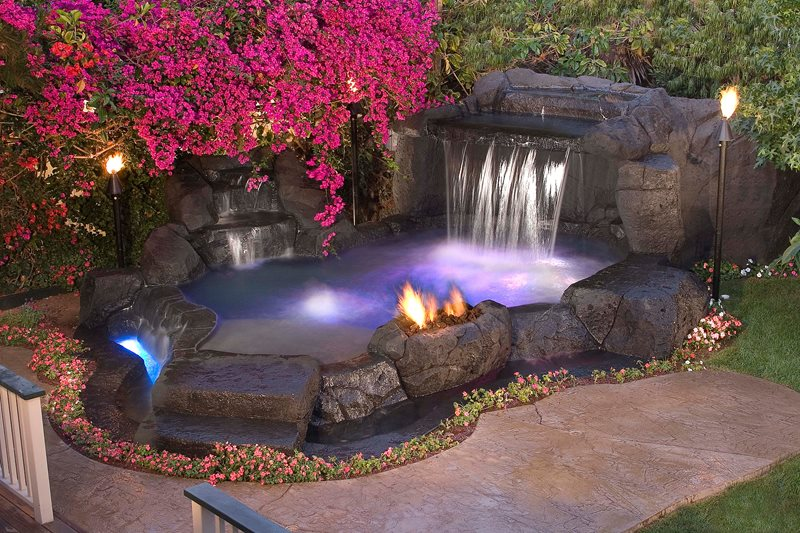 Tropical Spa, Waterfall Tropical Landscaping Alderete Pools Inc. San Clemente, CA