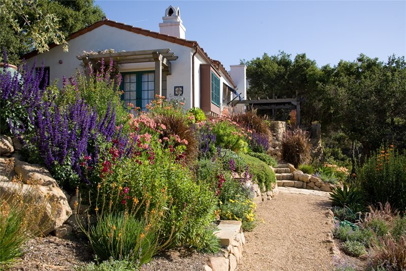 Crushed Gravel Path Walkway and Path Grace Design Associates Santa Barbara, CA