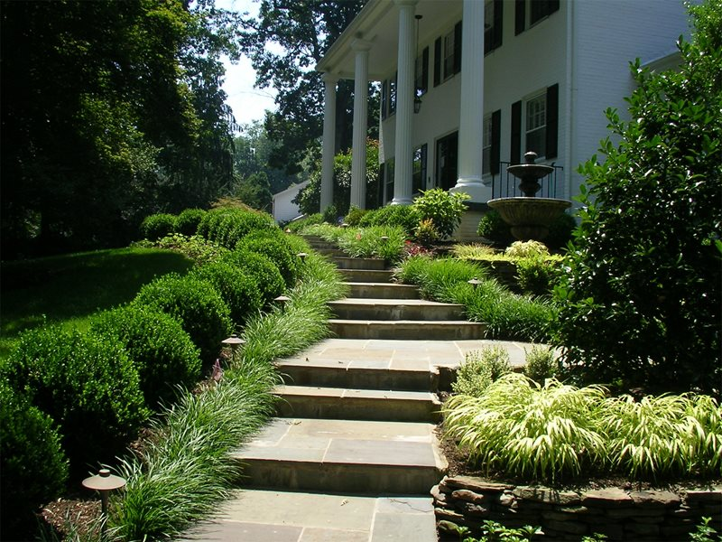 Walkway and path sterling va photo gallery for Formal front garden ideas