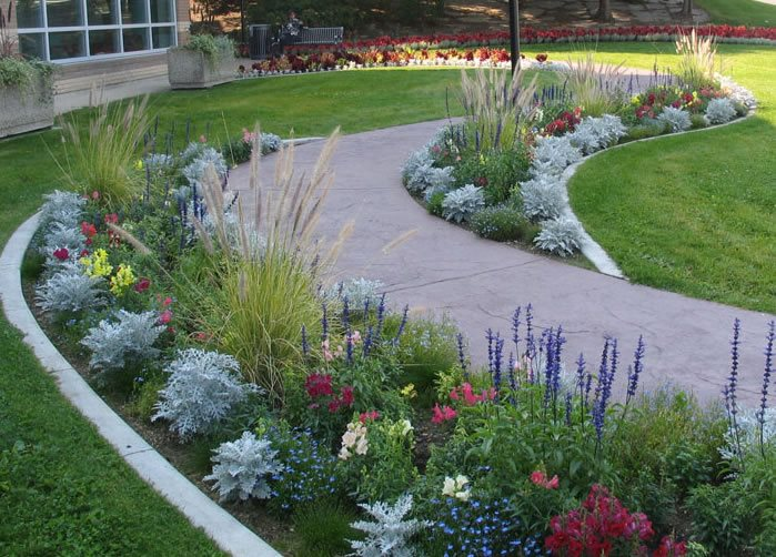 Walkway and path medicine hat ab photo gallery for Cement garden paths