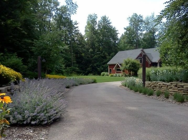 Driveway design ideas landscaping network for Garden driveways designs