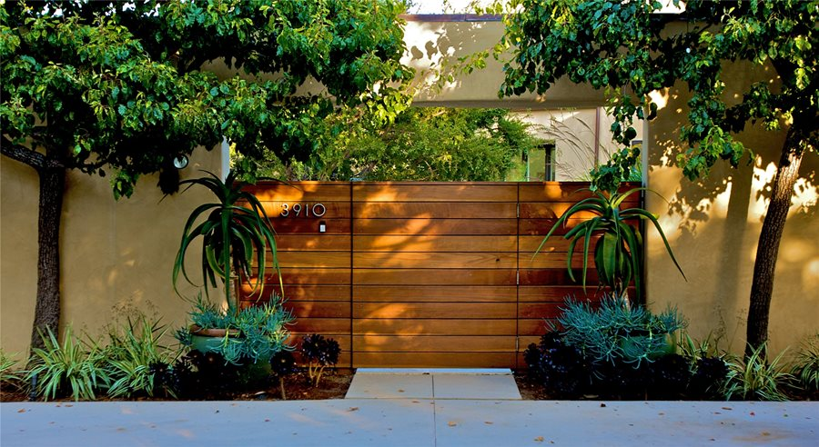 Modern Garden Fence Ideas: Garden Fencing Design Ideas