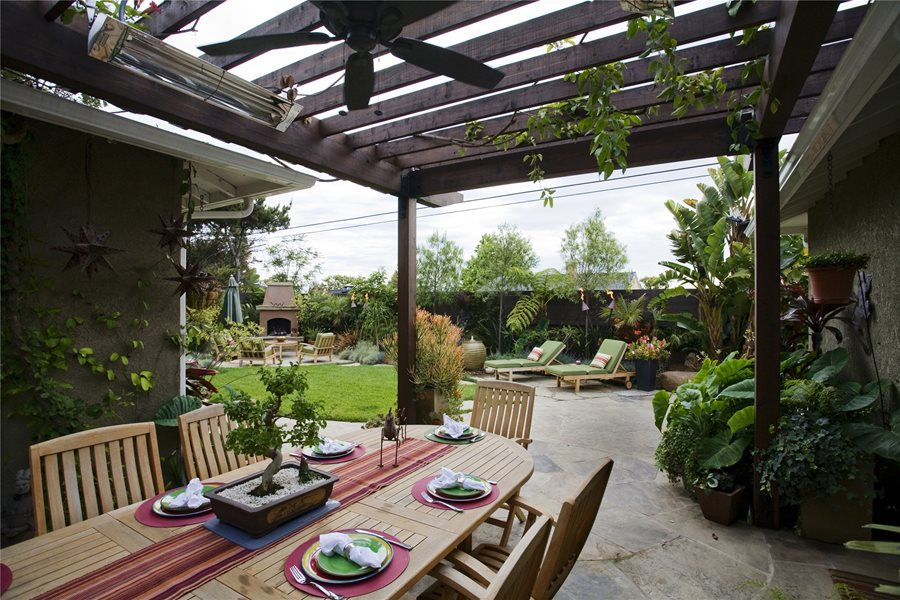 Outdoor Dining Atop A Tile Rug